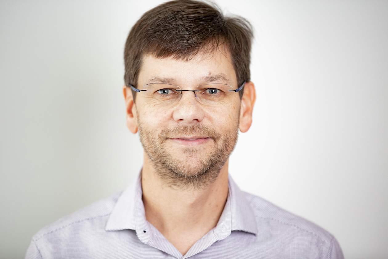 Dr. Perold Louw